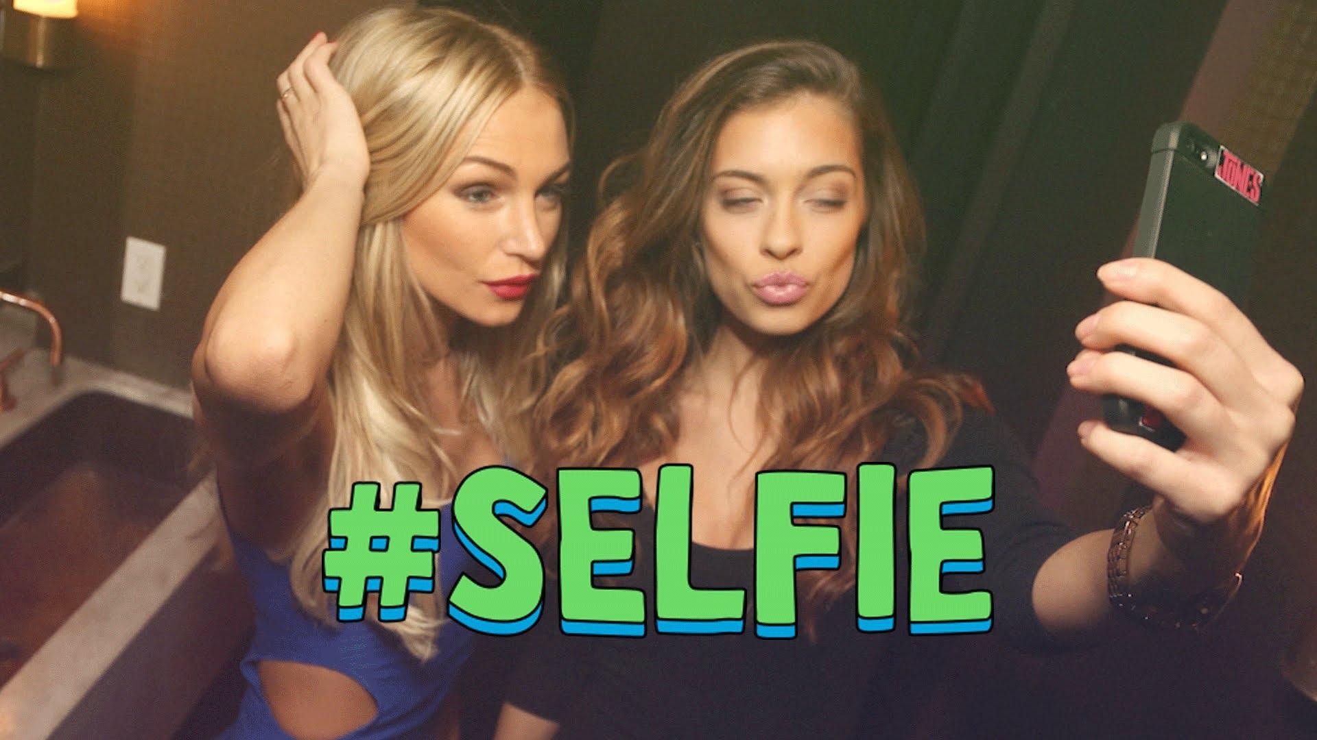 #RoyaleSongOfTheWeek: SELFIE