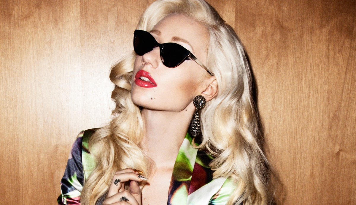 #RoyaleSongOfTheWeek: Iggy Azalea ft. Rita Ora – Black Widow