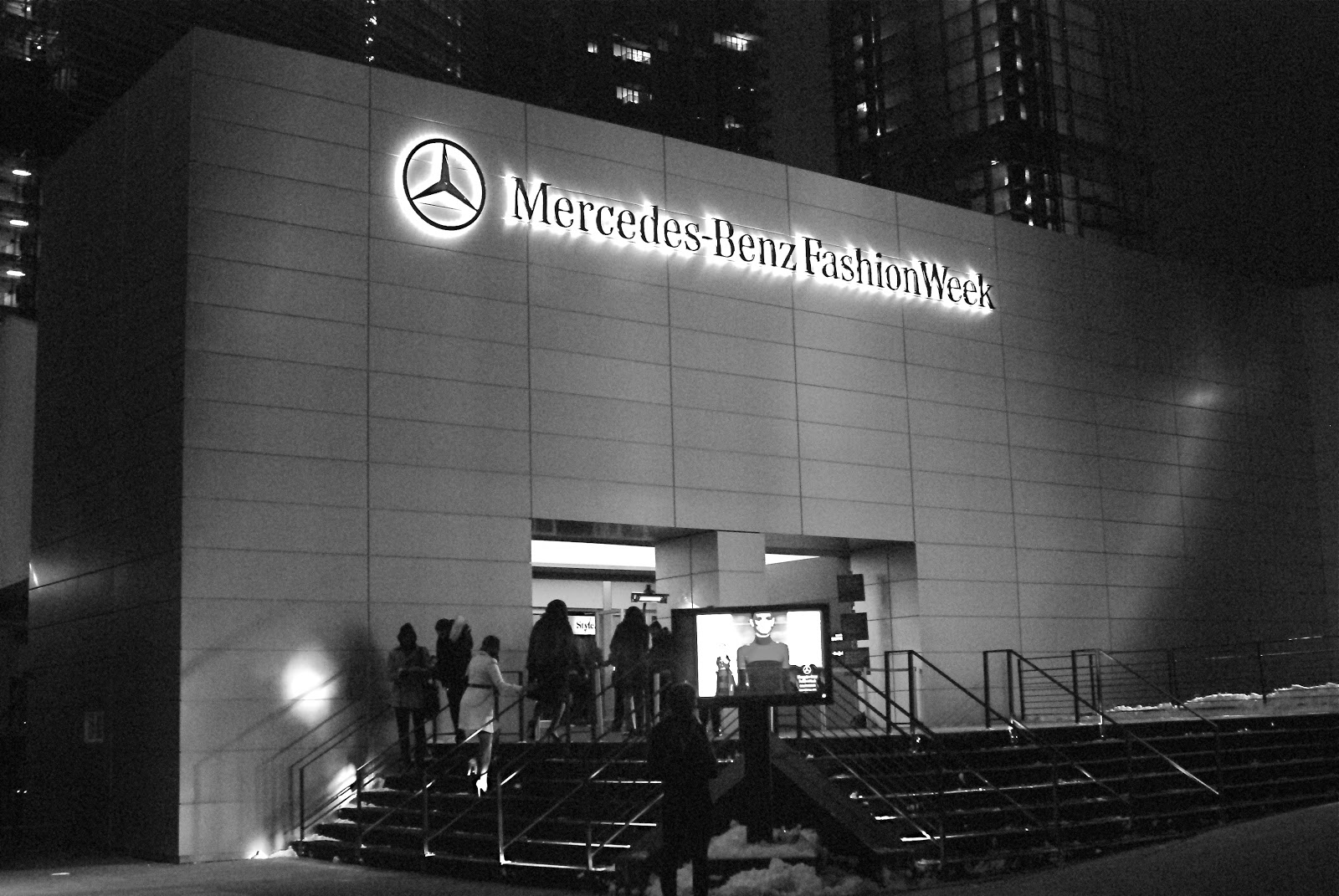 Mercedes benz fashion week in new york royale marketing for Mercedes benz nyc